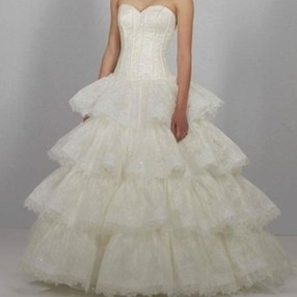 Dennis Basso Dresses | Ivory Lace Sweatheart Wedding Gown | Poshmark